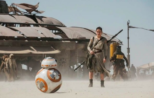 rey-and-bb-8-in-star-wars-episode-vii-the-force-awakens